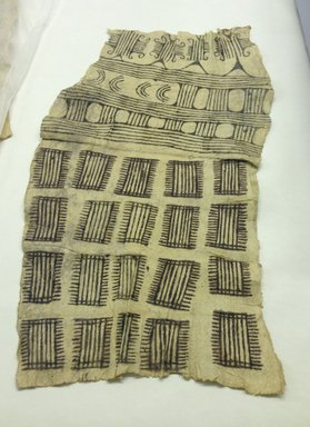 Mbuti Efe. <em>Loin Cloth</em>, 20th century. Bark cloth, pigment, 15 1/2 x 31 1/2 in.  (39.4 x 80.0 cm). Brooklyn Museum, Purchase gift of Beatrice Riese, 1997.19.4. Creative Commons-BY (Photo: Brooklyn Museum, CUR.1997.19.4.jpg)
