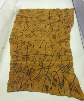 Mbuti Efe. <em>Loin Cloth</em>, 20th century. Bark cloth, pigment, 24 x 33 1/2 in.  (61.0 x 85.1 cm). Brooklyn Museum, Purchase gift of Beatrice Riese, 1997.19.8. Creative Commons-BY (Photo: Brooklyn Museum, CUR.1997.19.8.jpg)