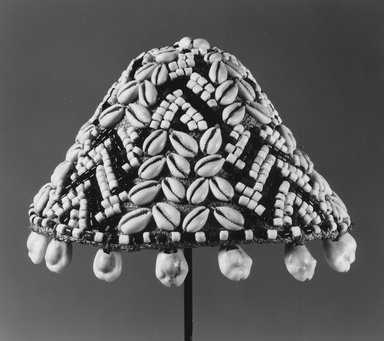 Kuba. <em>Man's Hat for Royal Family (Kupash)</em>, before 1958. Fiber, cowrie shells, glass beads, height: 4 3/8 in. (11.7 cm). Brooklyn Museum, Gift of Lotte and Al Blaustein, 1997.20.2. Creative Commons-BY (Photo: Brooklyn Museum, CUR.1997.20.2_print_bw.jpg)