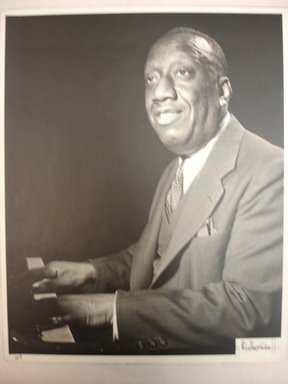 William P. Gottlieb (American, 1917-2006). <em>James Johnson</em>, ca. 1946. Toned gelatin silver photograph, image: 9 1/2 x 7 1/2 in.  (24.1 x 19.1 cm);. Brooklyn Museum, Purchase gift of The Richard Florsheim Art Fund, 1998.164.1 (Photo: Brooklyn Museum, CUR.1998.164.1.jpg)