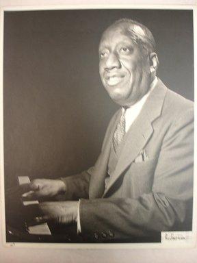 William P. Gottlieb (American, 1917-2006). <em>James Johnson</em>, ca. 1946. Toned gelatin silver photograph, image: 9 1/2 x 7 1/2 in.  (24.1 x 19.1 cm);. Brooklyn Museum, Purchase gift of The Richard Florsheim Art Fund, 1998.164.1 (Photo: Brooklyn Museum, CUR.1998.164.1.jpg)