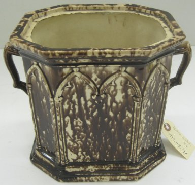 Unknown. <em>Jar and Lid</em>, 1847-1858. Glazed earthenware, a-jar: 8 x 9 1/2 x 7 in.  (20.3 x 24.1 x 17.8 cm). Brooklyn Museum, Gift of Paul F. Walter, 1999.108.19a-b. Creative Commons-BY (Photo: Brooklyn Museum, CUR.1999.108.19a.jpg)
