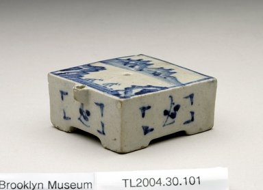 <em>Water Dropper</em>, last half of 19th century. Porcelain with cobalt blue underglaze decoration, 1 3/16 x 2 9/16 x 2 5/8 in. (3 x 6.5 x 6.6 cm). Brooklyn Museum, The Peggy N. and Roger G. Gerry Collection, 2004.28.119. Creative Commons-BY (Photo: Brooklyn Museum (in collaboration with National Research Institute of Cultural Heritage, , CUR.2004.28.119_view1_Heon-Kang_photo_NRICH.jpg)