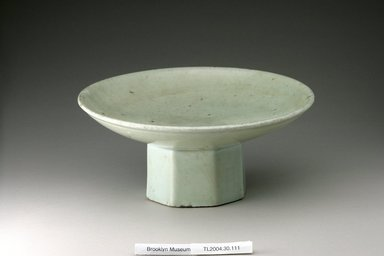 <em>Mounted Dish</em>, 19th century. Porcelain, glaze, Height: 4 15/16 in. (12.5 cm). Brooklyn Museum, The Peggy N. and Roger G. Gerry Collection, 2004.28.129. Creative Commons-BY (Photo: Brooklyn Museum (in collaboration with National Research Institute of Cultural Heritage, , CUR.2004.28.129_view1_Heon-Kang_photo_NRICH.jpg)