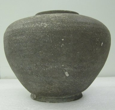 <em>Jar with Lid</em>, 5th-7th century. Stoneware with natural ash glaze, 8 1/8 x 9 1/16 in. (20.7 x 23 cm). Brooklyn Museum, The Peggy N. and Roger G. Gerry Collection, 2004.28.233a-b. Creative Commons-BY (Photo: Brooklyn Museum, CUR.2004.28.233a_side.jpg)