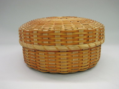 Micmac (Mi'Kmaq). <em>Basket with Lid</em>, 1950-1980. Black ash splints, 4 x 7 3/4 x 7 3/4 in. (10.2 x 19.7 x 19.7 cm). Brooklyn Museum, Hilda and Al Schein Collection, 2004.79.76a-b. Creative Commons-BY (Photo: , CUR.2004.79.76a-b.jpg)
