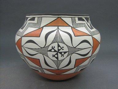 Grace Chino (Haak'u (Acoma Pueblo), 1929-1995). <em>Vessel</em>, 1986. Clay, pigment, 7 1/2 x 9 1/2 in. (19.1 x 24.1 cm). Brooklyn Museum, Gift of Andrea Levitt Baum, 2006.44.1. Creative Commons-BY (Photo: Brooklyn Museum, CUR.2006.44.1.jpg)
