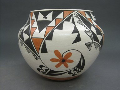 Grace Chino (Haak'u (Acoma Pueblo), 1929-1995). <em>Vessel</em>, 1980-1990. Clay, pigment, 6 3/4 x 8 1/4 in. (17.1 x 21 cm). Brooklyn Museum, Gift of Andrea Levitt Baum, 2006.44.2. Creative Commons-BY (Photo: Brooklyn Museum, CUR.2006.44.2.jpg)