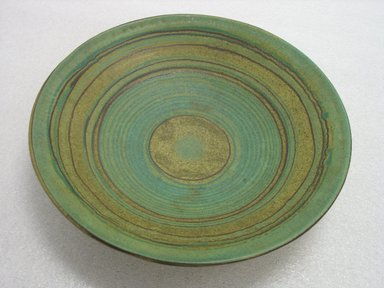 Glidden Pottery (1940-1957). <em>Bowl, Green Mesa</em>, 1940-1957. Glazed earthenware, 3 x 14 1/8 in. (7.6 x 35.9 cm). Brooklyn Museum, Gift of Paul F. Walter, 2007.62.18. Creative Commons-BY (Photo: Brooklyn Museum, CUR.2007.62.18.jpg)