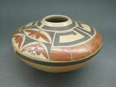 Rachel Sahmie Nampeyo (Hopi Pueblo, born 1956). <em>Jar</em>, late 20th century. Clay, pigment, 4 1/2 x 9 in. (11.4 x 22.9 cm). Brooklyn Museum, Gift of Joan and Sanford Krotenberg, 2013.64.4. Creative Commons-BY (Photo: Brooklyn Museum, CUR.2013.64.4_view1.jpg)