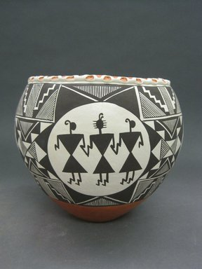 Marie S. Juanico (Haak'u (Acoma Pueblo), born 1937). <em>Bowl with Mimbres Motif</em>, late 20th century. Clay, pigment, 8 x 9  in. (20.3 x 22.9 cm). Brooklyn Museum, Gift of Joan and Sanford Krotenberg, 2013.64.6. Creative Commons-BY (Photo: Brooklyn Museum, CUR.2013.64.6.jpg)