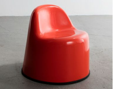 Wendell Castle (American, 1932-2018). <em>Chair, Baby Molar Chair</em>, 1971. Gel-coated, fiberglass-reinforced plastic, 17 × 19 × 18 in. (43.2 × 48.3 × 45.7 cm). Brooklyn Museum, Gift of R & Company, New York, 2018.15. Creative Commons-BY (Photo: , CUR.2018.15.jpg)