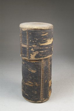 <em>Cylindrical Box</em>. Bark Brooklyn Museum, Museum Expedition 1922, Robert B. Woodward Memorial Fund, 22.1267. Creative Commons-BY (Photo: Brooklyn Museum, CUR.22.1267_front_PS5.jpg)