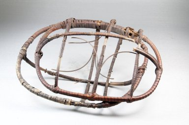 <em>Hinged Basket</em>, early 20th century. Fiber, (23.0 x 10.5 cm). Brooklyn Museum, Museum Expedition 1922, Robert B. Woodward Memorial Fund, 22.1286. Creative Commons-BY (Photo: Brooklyn Museum, CUR.22.1286_front_PS5.jpg)
