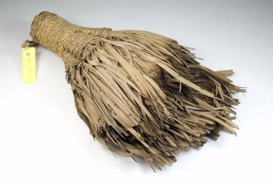<em>Brush</em>, late 19th-early 20th century. Vegetal fiber, 2 1/2 x 7 3/4 x 12 1/2 in. (6.4 x 19.7 x 31.8 cm). Brooklyn Museum, Museum Expedition 1922, Robert B. Woodward Memorial Fund, 22.1331. Creative Commons-BY (Photo: Brooklyn Museum, CUR.22.1331_front_PS5.jpg)