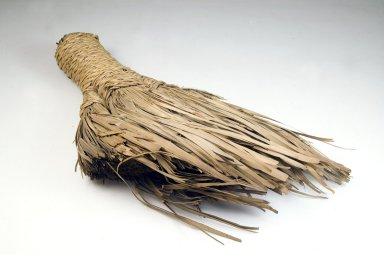 <em>Brush</em>, late 19th-early 20th century. Vegetal fiber, 13 x 9 3/4 x 2 in. (33 x 24.8 x 5.1 cm). Brooklyn Museum, Museum Expedition 1922, Robert B. Woodward Memorial Fund, 22.1332. Creative Commons-BY (Photo: Brooklyn Museum, CUR.22.1332_front_PS5.jpg)