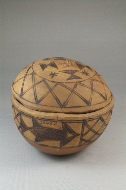 <em>Covered Bowl</em>, late 19th or early 20th century. Gourd, height: 5 1/8 in. (13 cm); diameter: 5 1/8 in. (13 cm). Brooklyn Museum, Museum Expedition 1922, Robert B. Woodward Memorial Fund, 22.1359. Creative Commons-BY (Photo: Brooklyn Museum, CUR.22.1359_front_PS5.jpg)