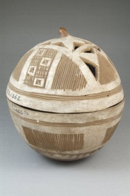 <em>Covered Bowl</em>, before 1922. Gourd, height: 5 7/8 in. (15 cm); diameter: 5 7/16 in. (13.8 cm). Brooklyn Museum, Museum Expedition 1922, Robert B. Woodward Memorial Fund, 22.1363. Creative Commons-BY (Photo: Brooklyn Museum, CUR.22.1363_front_PS5.jpg)