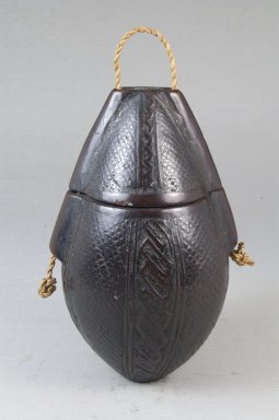 Kongo. <em>Powder Box (Tutukipfula)</em>, late 19th or early 20th century. Wood, fiber, 5 1/4 x 3 1/4 in. (13.3 x 8.3 cm). Brooklyn Museum, Museum Expedition 1922, Robert B. Woodward Memorial Fund, 22.143a-b. Creative Commons-BY (Photo: Brooklyn Museum, CUR.22.143_front_PS5.jpg)
