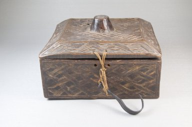 Kuba (Bushoong subgroup). <em>Carved Paint Box with Cover</em>, early 20th century. Wood, fiber, metal, 7 7/8 x 6 7/8 x 5in. (20 x 17.5 x 12.7cm). Brooklyn Museum, Brooklyn Museum Collection, 22.1490a-b. Creative Commons-BY (Photo: Brooklyn Museum, CUR.22.1490a-b_front_PS5.jpg)