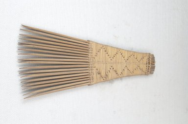 <em>Comb</em>. Wooden Brooklyn Museum, Museum Expedition 1922, Robert B. Woodward Memorial Fund, 22.1562. Creative Commons-BY (Photo: Brooklyn Museum, CUR.22.1562_top_PS5.jpg)
