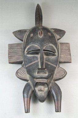 Senufo. <em>Mask (Kpeliye'e)</em>. Wood, 14 15/16 x 7 1/16 x 3 3/4 in. (38 x 18 x 9.5 cm). Brooklyn Museum, Museum Expedition 1922, Robert B. Woodward Memorial Fund, 22.1586. Creative Commons-BY (Photo: Brooklyn Museum, CUR.22.1586_top_PS5.jpg)