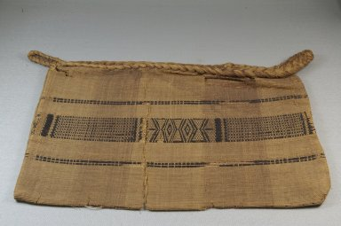 Kongo. <em>Bag</em>, 19th century. Raffia fiber, 10 1/2 x 15 1/2 in. (26.7 x 39.4 cm). Brooklyn Museum, Museum Expedition 1922, Robert B. Woodward Memorial Fund, 22.1629. Creative Commons-BY (Photo: Brooklyn Museum, CUR.22.1629_front_PS5.jpg)