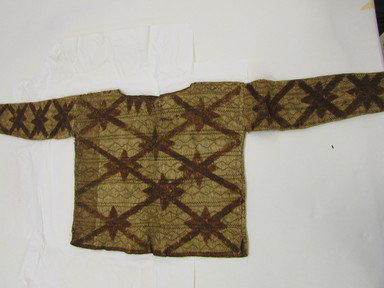 <em>Jacket with Sleeves</em>. Bark cloth, pigment, 17 11/16 x 47 1/4 in. (45 x 120 cm). Brooklyn Museum, Museum Expedition 1922, Robert B. Woodward Memorial Fund, 22.559. Creative Commons-BY (Photo: , CUR.22.559_overall.jpg)