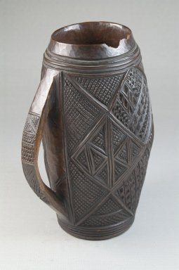 Kuba. <em>Cup</em>, late 19th or early 20th century. Wood, 6 7/8 x 4 3/4 x 2 3/4 in. (17.5 x 12.1 x 7 cm). Brooklyn Museum, Brooklyn Museum Collection, 22.794. Creative Commons-BY (Photo: Brooklyn Museum, CUR.22.794_front_PS5.jpg)