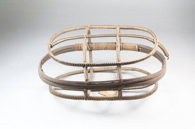 <em>Basket</em>, early 20th century. Vegetal fiber, height: (10.0 cm). Brooklyn Museum, Museum Expedition 1922, Robert B. Woodward Memorial Fund, 22.833. Creative Commons-BY (Photo: Brooklyn Museum, CUR.22.833_front_PS5.jpg)