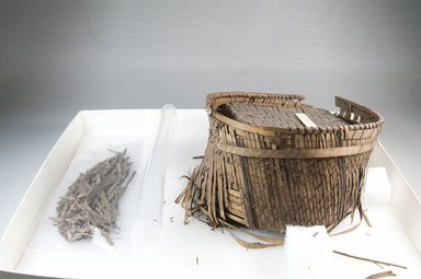 <em>Basket with Square Cover</em>, early 20th century., 5 1/8 × 5 1/2 in. (13 × 14 cm). Brooklyn Museum, Museum Expedition 1922, Robert B. Woodward Memorial Fund, 22.834a-b. Creative Commons-BY (Photo: Brooklyn Museum, CUR.22.834a-b_front_PS5.jpg)