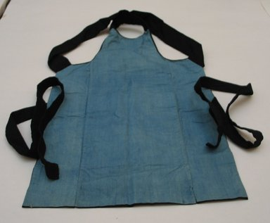 <em>Workman's Apron</em>. Cotton, 27 15/16 x 17 5/16 in. (71 x 44 cm). Brooklyn Museum, Gift of Mrs. Allan Cowperthwait, 25.764. Creative Commons-BY (Photo: Brooklyn Museum, CUR.25.764_view1.jpg)