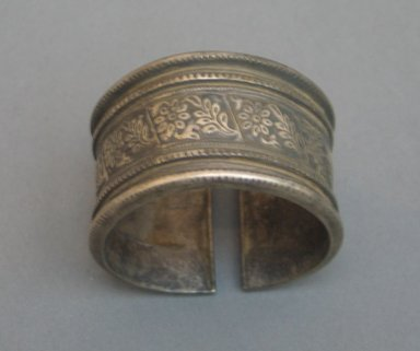 <em>Bracelet, One of a Pair</em>., 2 5/16 x 2 3/8 x 1 3/8 in. (5.8 x 6 x 3.5 cm). Brooklyn Museum, 25601. Creative Commons-BY (Photo: Brooklyn Museum, CUR.25601_top.jpg)
