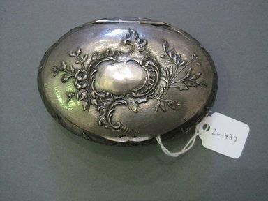 <em>Snuff-box</em>, 18th century. Silver, 1 x 2 1/2 x 3 1/2 in. (2.5 x 6.4 x 8.9 cm). Brooklyn Museum, Gift of Mrs. Oskar W. Bergh, 26.437. Creative Commons-BY (Photo: Brooklyn Museum, CUR.26.437.jpg)