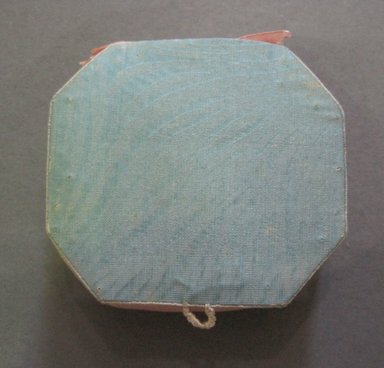 <em>Pin Cushion</em>, late 19th or early 20th century. Silk and wool, 2 1/4 x 1 3/4 in. (5.7 x 4.4 cm). Brooklyn Museum, 27.184.6 (Photo: Brooklyn Museum, CUR.27.184.6.jpg)