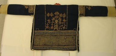 Loi. <em>Jacket</em>., 51 3/4 x 20 1/2 in. (131.5 x 52 cm). Brooklyn Museum, Robert B. Woodward Memorial Fund, 27324. Creative Commons-BY (Photo: Brooklyn Museum, CUR.27324_back.jpg)