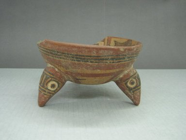 <em>Tripod Bowl</em>, 1000-1550. Ceramic, pigment, 3 5/16 x 5 15/16 x 5 15/16 in. (8.4 x 15.1 x 15.1 cm). Brooklyn Museum, Gift of Mrs. Minor C. Keith in memory of her husband, 31.1113. Creative Commons-BY (Photo: Brooklyn Museum, CUR.31.1113_view1.jpg)