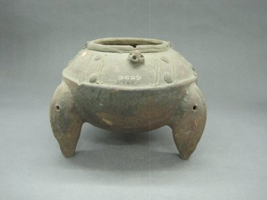 <em>Tripod Jar</em>, 300-800. Ceramic, 6 1/8 x 8 3/4 x 9 in. (15.6 x 22.2 x 22.9 cm). Brooklyn Museum, Gift of Mrs. Minor C. Keith in memory of her husband, 31.1179. Creative Commons-BY (Photo: Brooklyn Museum, CUR.31.1179_view1.jpg)