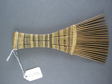 Mangbetu. <em>Hair Comb</em>. Reed Brooklyn Museum, Museum Expedition 1931, Robert B. Woodward Memorial Fund, 31.1906. Creative Commons-BY (Photo: Brooklyn Museum, CUR.31.1906_view1.jpg)