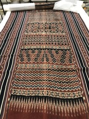 Toraja. <em>Grave Cloth (Mao or Mawa)</em>, 19th-early 20th century. Cotton, 61 × 200 in. (154.9 × 508 cm). Brooklyn Museum, A. Augustus Healy Fund, 31.2009. Creative Commons-BY (Photo: , CUR.31.2009_view02.jpg)