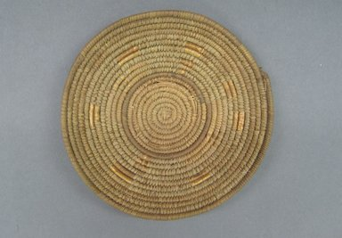 <em>Lid for Calabash Bowl</em>, early 20th century. Fiber, height: (2.8 cm). Brooklyn Museum, Gift of Theodora Wilbour, 32.1764. Creative Commons-BY (Photo: Brooklyn Museum, CUR.32.1764_top.jpg)