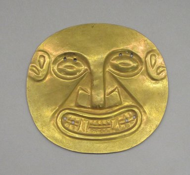 Coclé. <em>Embossed Disk</em>, ca. 700-1100. Gold, 4 x 4 in. (10.2 x 10.2 cm). Brooklyn Museum, Museum Expedition 1931, Museum Collection Fund, 33.448.6. Creative Commons-BY (Photo: Brooklyn Museum, CUR.33.448.6.jpg)
