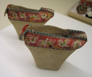 <em>Pair of Woman's Shoes</em>, 19th century. Silk, leather, wood, each: 6 1/4 x 8 11/16 x 3 1/2 in. (15.9 x 22 x 8.9 cm). Brooklyn Museum, Brooklyn Museum Collection, 34.1021. Creative Commons-BY (Photo: Brooklyn Museum, CUR.34.1021_view1.jpg)