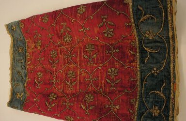 <em>Cover for Large Cushion or Bolster</em>. Velvet weave metallic embroidery, 22 13/16 x 39 in. (58 x 99 cm). Brooklyn Museum, Brooklyn Museum Collection, 34.1078. Creative Commons-BY (Photo: Brooklyn Museum, CUR.34.1078.jpg)