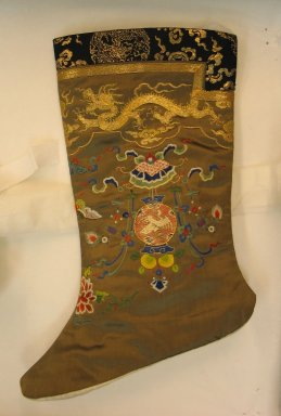 <em>Pair of Manchu Woman's Socks</em>, 19th century. Embroidered satin silk, 11 13/16 x 9 7/16 in. (30 x 24 cm). Brooklyn Museum, Brooklyn Museum Collection, 34.1487. Creative Commons-BY (Photo: Brooklyn Museum, CUR.34.1487b_side1.jpg)