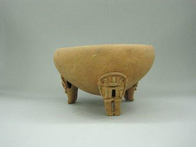 <em>Tripod Bowl</em>, 1000-1520. Ceramic, 4 3/4 x 8 3/8 x 8 9/16 in. (12.1 x 21.3 x 21.7 cm). Brooklyn Museum, Alfred W. Jenkins Fund, 34.1919. Creative Commons-BY (Photo: Brooklyn Museum, CUR.34.1919_view1.jpg)