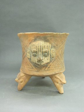 <em>Tripod Bowl</em>, 1000-1550. Ceramic, pigment, 9 7/16 x 8 11/16 x 8 7/8 in. (24 x 22.1 x 22.5 cm). Brooklyn Museum, Alfred W. Jenkins Fund, 34.1946. Creative Commons-BY (Photo: Brooklyn Museum, CUR.34.1946_view1.jpg)