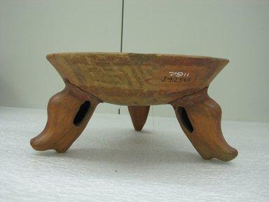 <em>Tripod Bowl</em>, 800-1500. Ceramic, pigment, 4 7/8 x 8 13/16 x 8 15/16 in. (12.4 x 22.4 x 22.7 cm). Brooklyn Museum, Alfred W. Jenkins Fund, 34.2566. Creative Commons-BY (Photo: Brooklyn Museum, CUR.34.2566_view1.jpg)