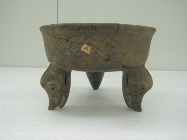 <em>Tripod Bowl</em>, 800-1500. Ceramic, pigment, 5 3/4 x 8 1/2 x 8 1/4 in. (14.6 x 21.6 x 21 cm). Brooklyn Museum, Alfred W. Jenkins Fund, 34.2623. Creative Commons-BY (Photo: Brooklyn Museum, CUR.34.2623_view1.jpg)