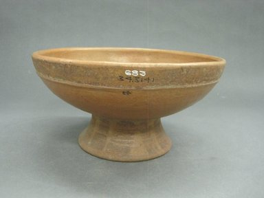 <em>Bowl with Pedestal Base</em>, 300-800. Ceramic, pigment, 4 1/2 x 9 x 9 in. (11.5 x 22.9 x 22.9 cm). Brooklyn Museum, Alfred W. Jenkins Fund, 34.3141. Creative Commons-BY (Photo: Brooklyn Museum, CUR.34.3141.jpg)